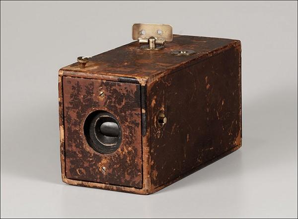 Fotocamera-Kodak-George-Eastman-1888